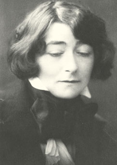 images_pages_content_archive_NEW_2011_eileen-gray-340