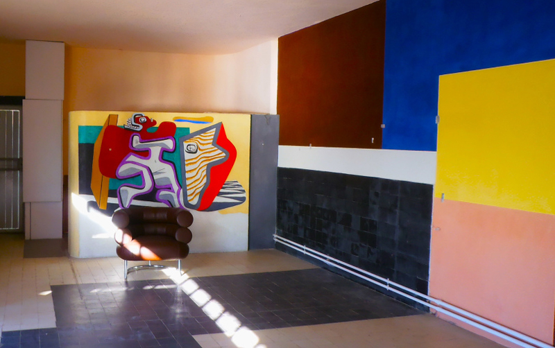 the-same-living-rooom-in-the-late-30s-with-the-mural-paintings-by-le-corbusier1