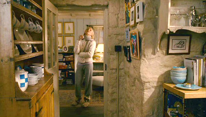 The-Holiday-movie-cottage-hall-to-library