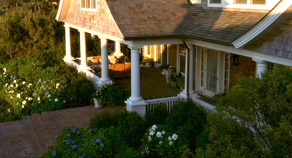 Somethings-Gotta-Give-house-front-porch1