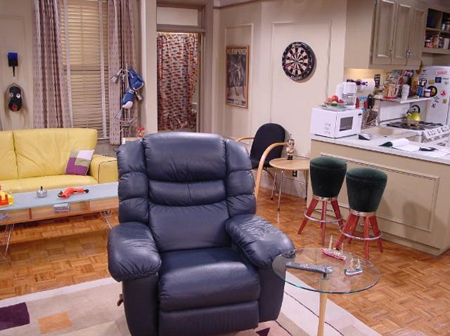 Przyjaciele - mieszkanie Joeya (3)