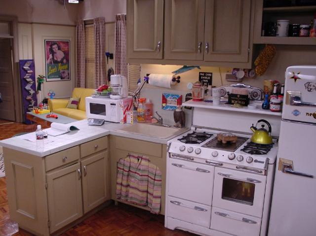 Przyjaciele - mieszkanie Joeya (4)