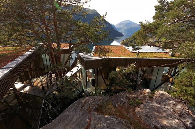Ex Machina, film, dom Nathana, dom w górach