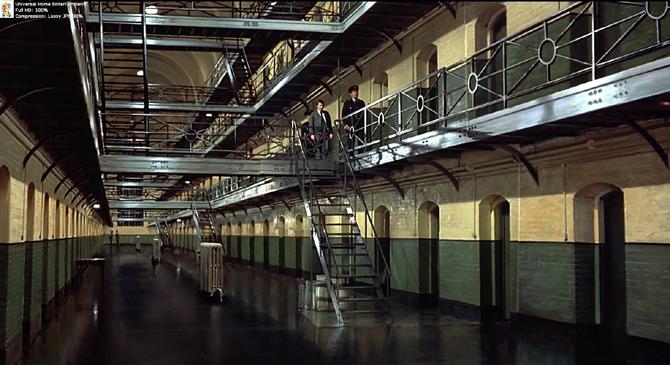 Frenzy BR large -lighter (jail)