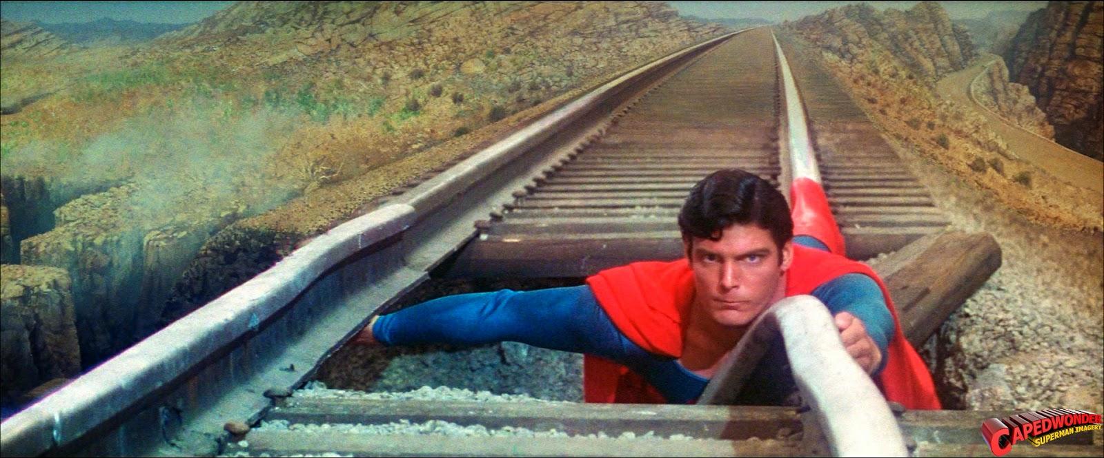 Superman-on_the_tracks-03