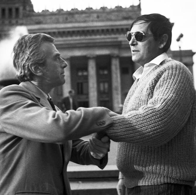 """""""Jak daleko stąd, jak blisko"""" w reżyserii Tadeusza Konwickiego, 1972. Na zdjęciu: Andrzej Łapicki i Zdzisław Maklakiewicz"""