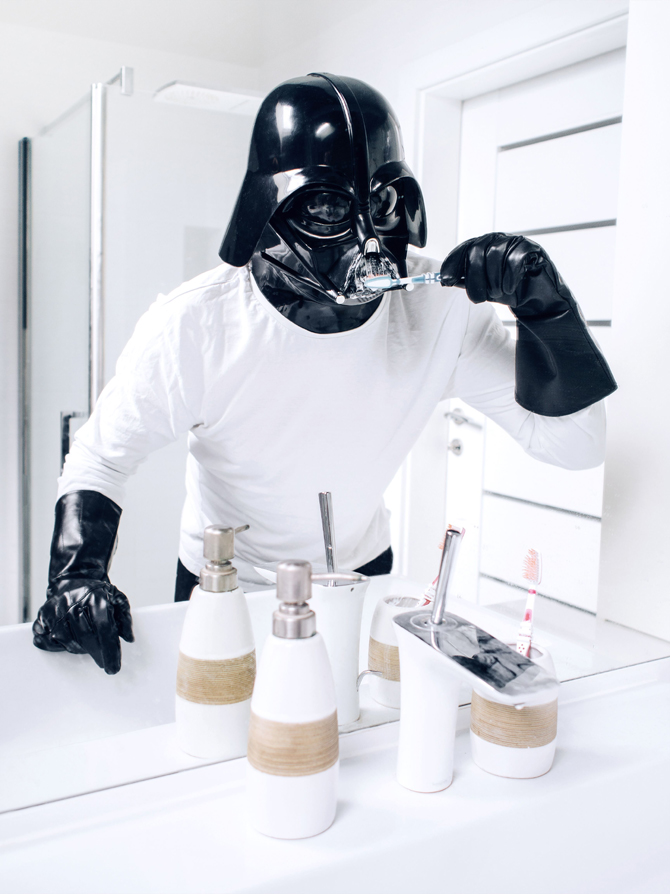z19193957O,Darth-Vader