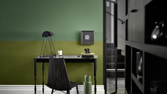 Jaki kolor pasuje do zielonego we wnętrzach?