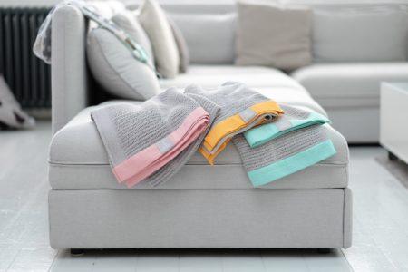 Z jakimi kolorami łączyć szary we wnętrzach?