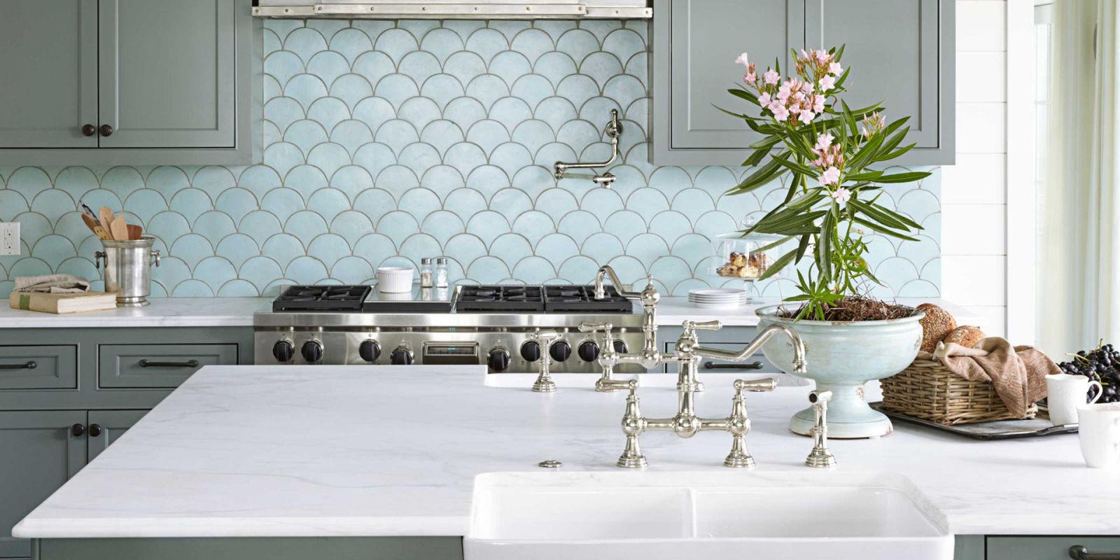 Płytki w kształcie rybiej łuski w kuchni