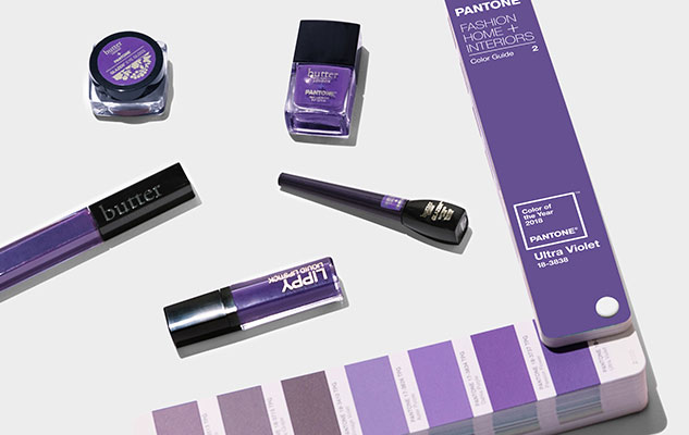 Kolor Roku 22018 według Pantone Ultra Violet