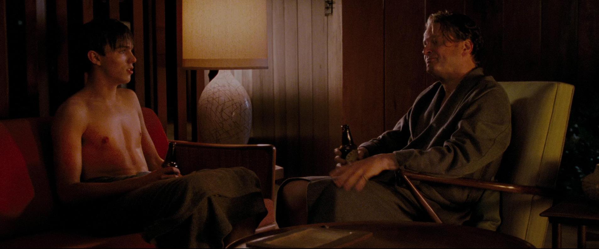 Samotny mężczyzna dom, film