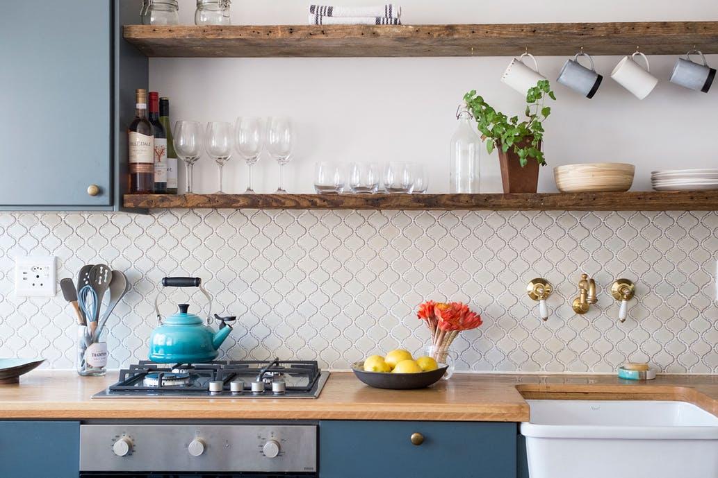 Ściana nad kuchennym blatem - mozaika