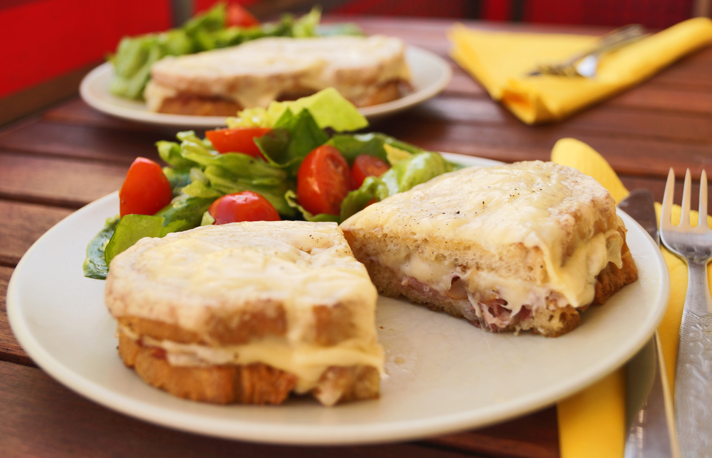 Przepis na kanapkę Croque Monsieur