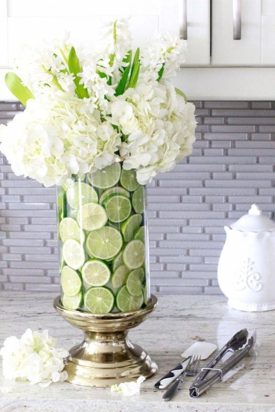 Dekoracje stołu z owoców