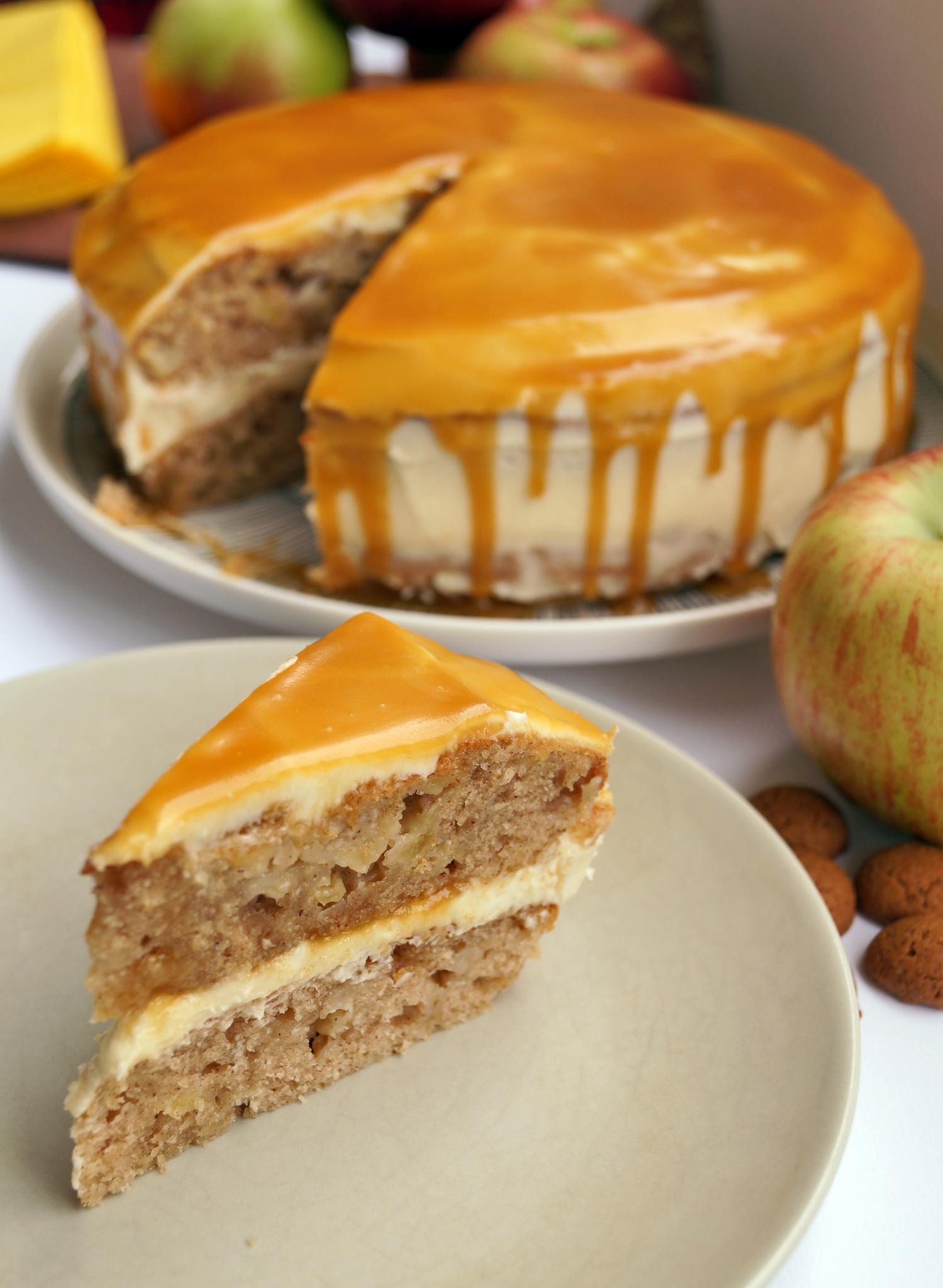 Ciasto z jabłkami kremem i karmelem - najlepsze ciasto na jesień