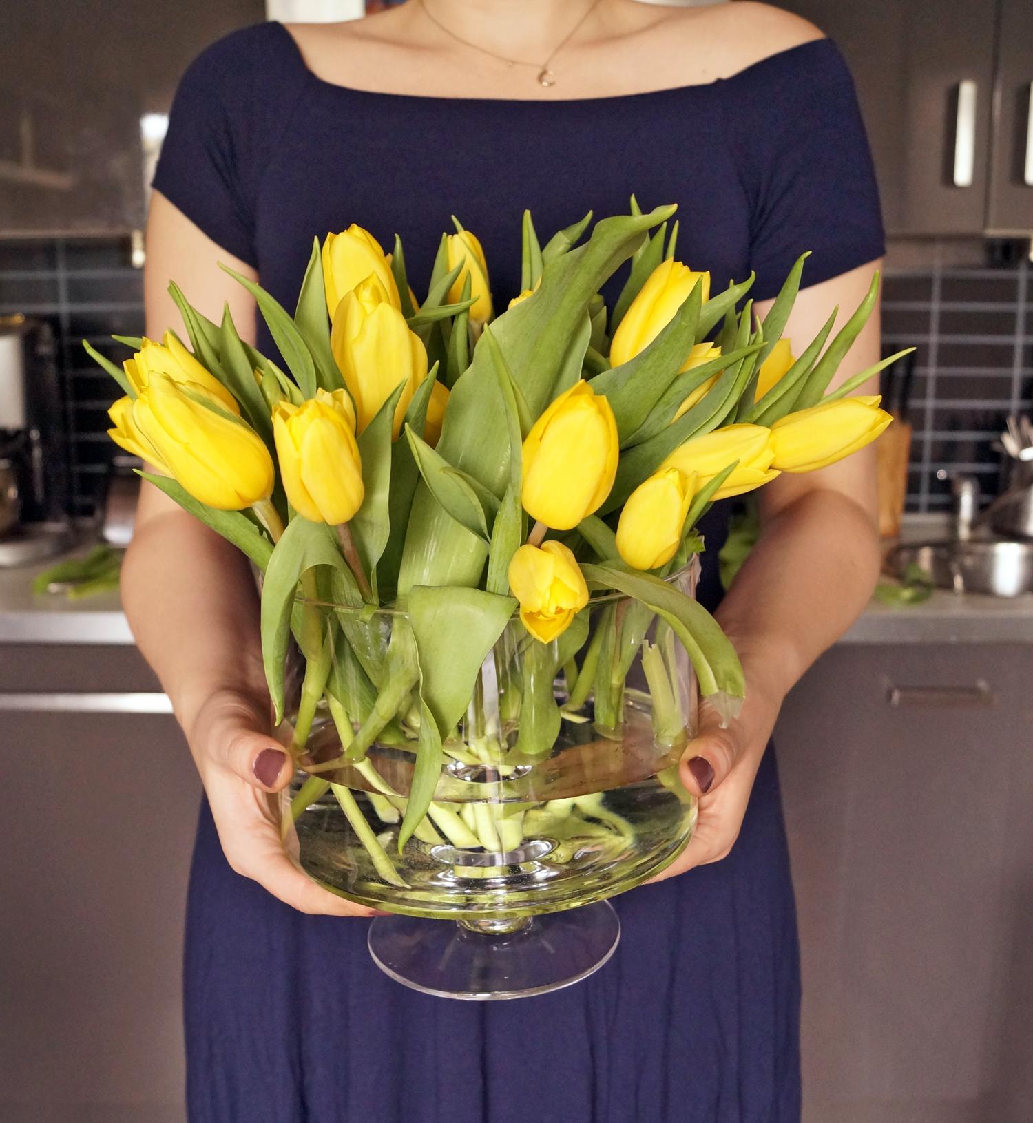 Tulipany w wazonie, - co zrobić, żeby długo stały