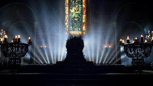 Gra o tron - Żelazny tron w toalecie