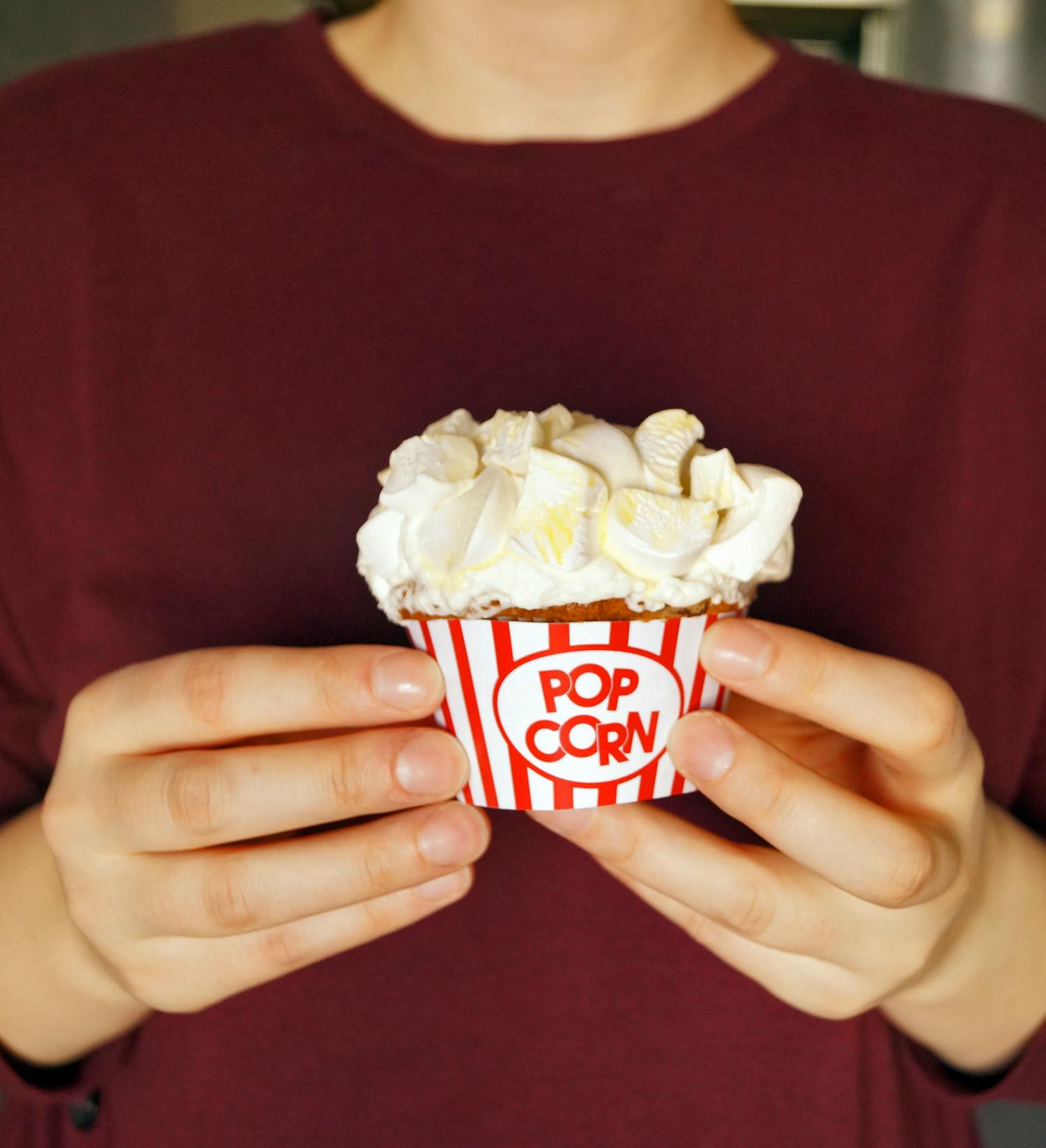 Popcornowe muffinki - przepis + szablon na papilotki
