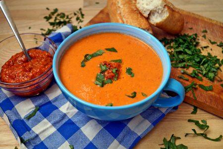 Zupa z pieczonych pomidorów - przepis