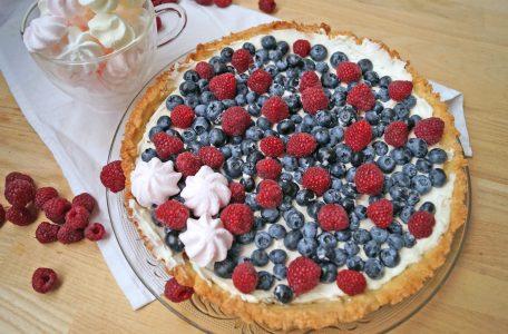 Prosta tarta z owocami - przepis