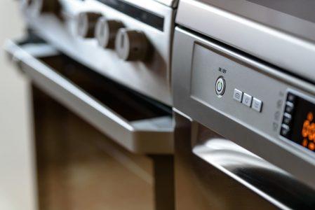 Piekarnik elektryczny – jaki wybrać? Rodzaje piekarników