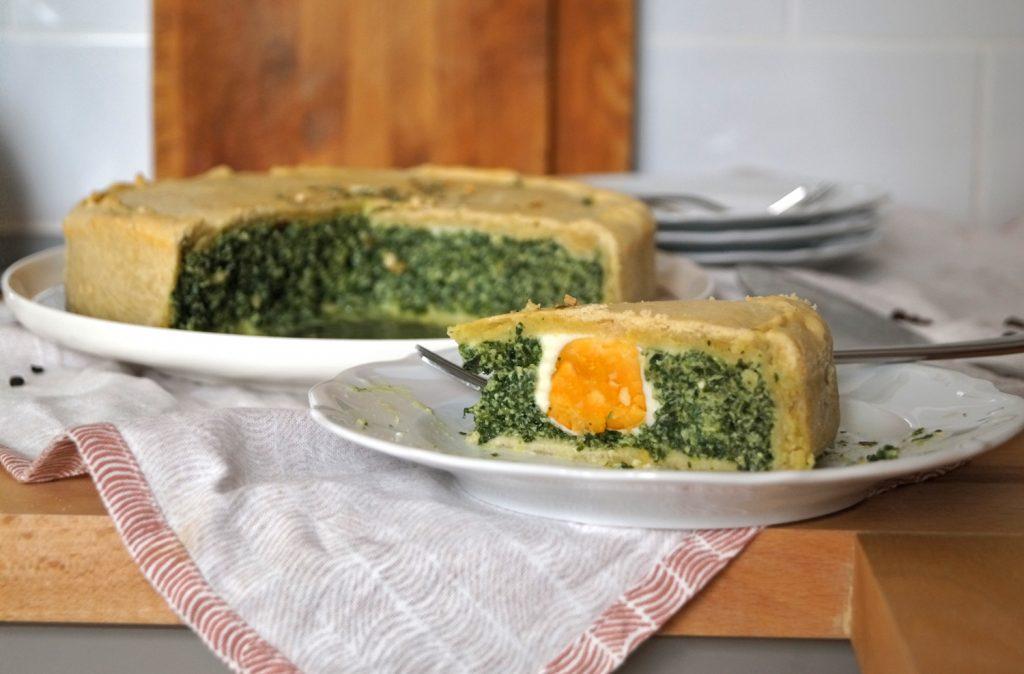 Torta Pasqualina, czyli włoskie wielkanocne ciasto szpinakowe