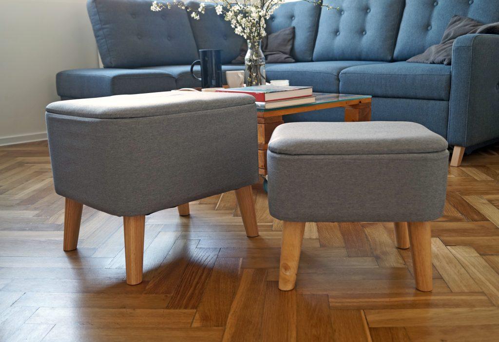 Skandynawskie pufy w moim salonie. Funkcjonalność i styl