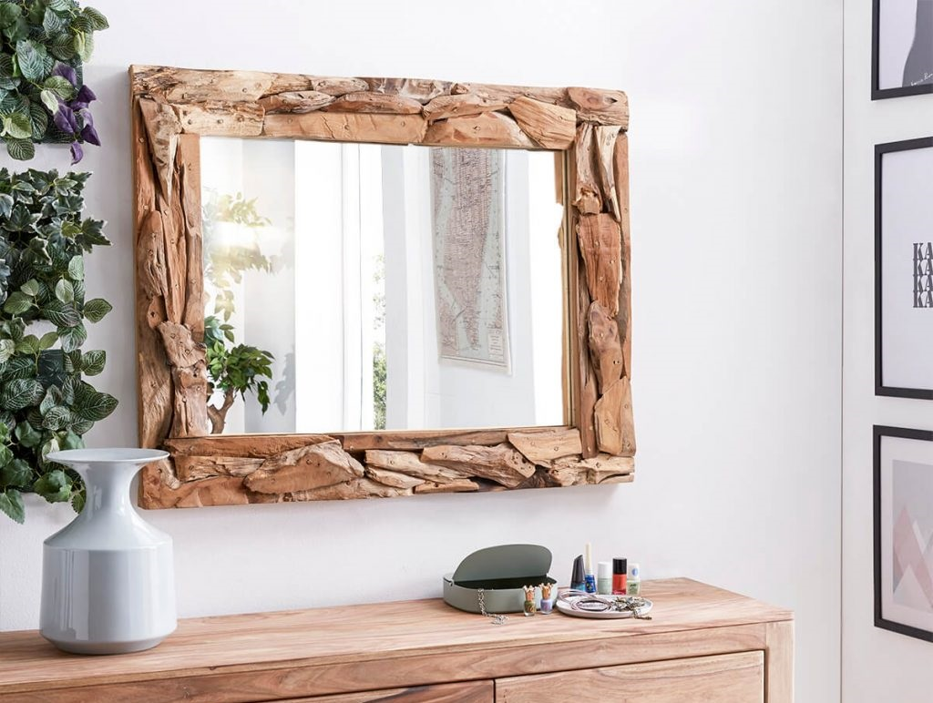 Jakie lustro powiesić w salonie? Inspiracje, porady