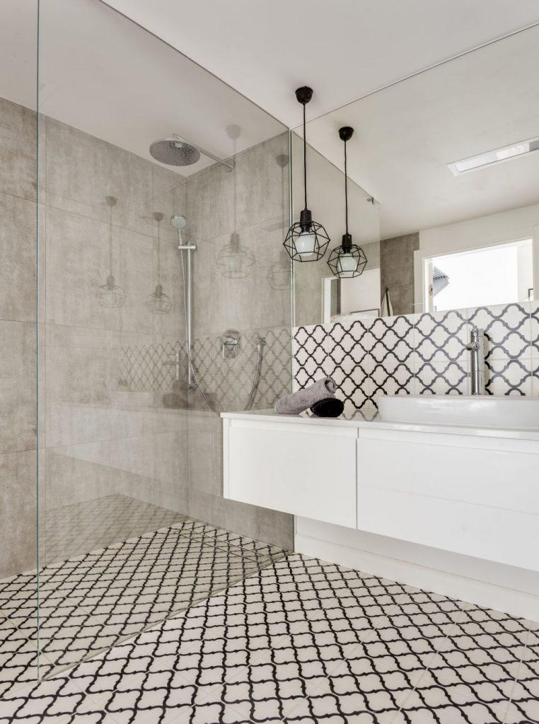 Aranżacja łazienki – inspiracje z polskich mieszkań i domów