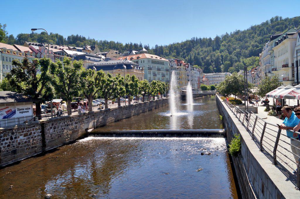 Karlowe Wary – czeska stolica kina. Filmowe miejsca i turystyczne perełki miasta