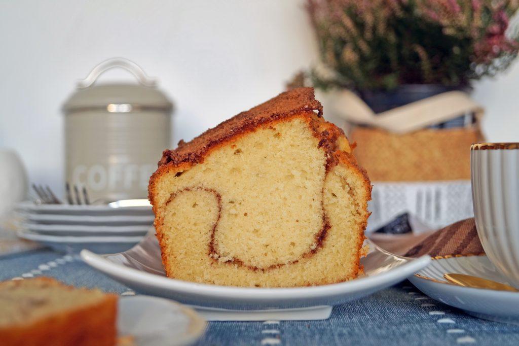 Idealne ciasto do kawy z cynamonową nutą