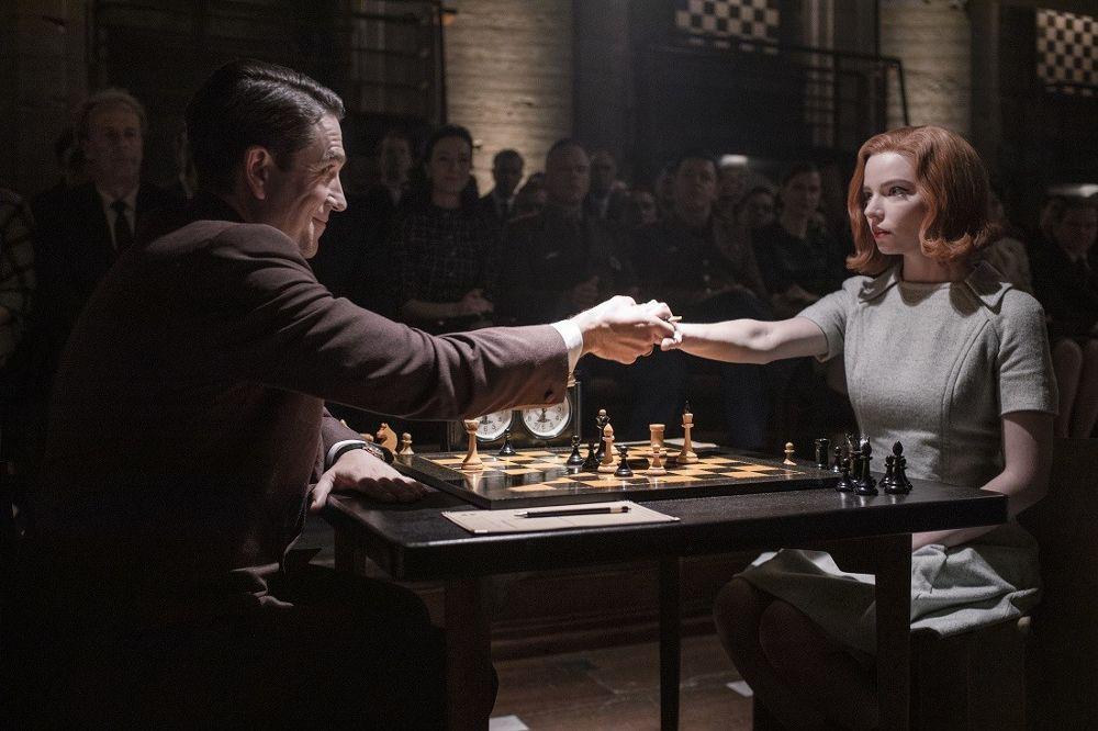 """""""Gambit królowej"""": Styl lat 60. dla mistrzyni szachowej"""
