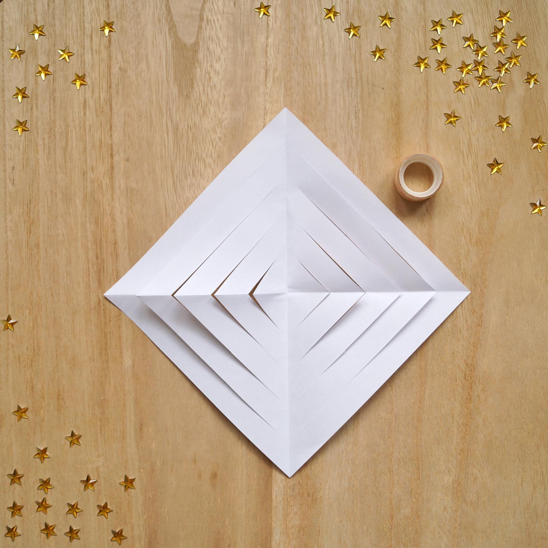 Gwiazda Betlejemska z papieru DIY. Jak zrobić gwiazdę krok po kroku?