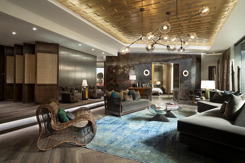 """Inspirujące wnętrza z serialu """"Stewardessa"""". Od loftu w Nowym Jorku po hotel w Bangkoku"""
