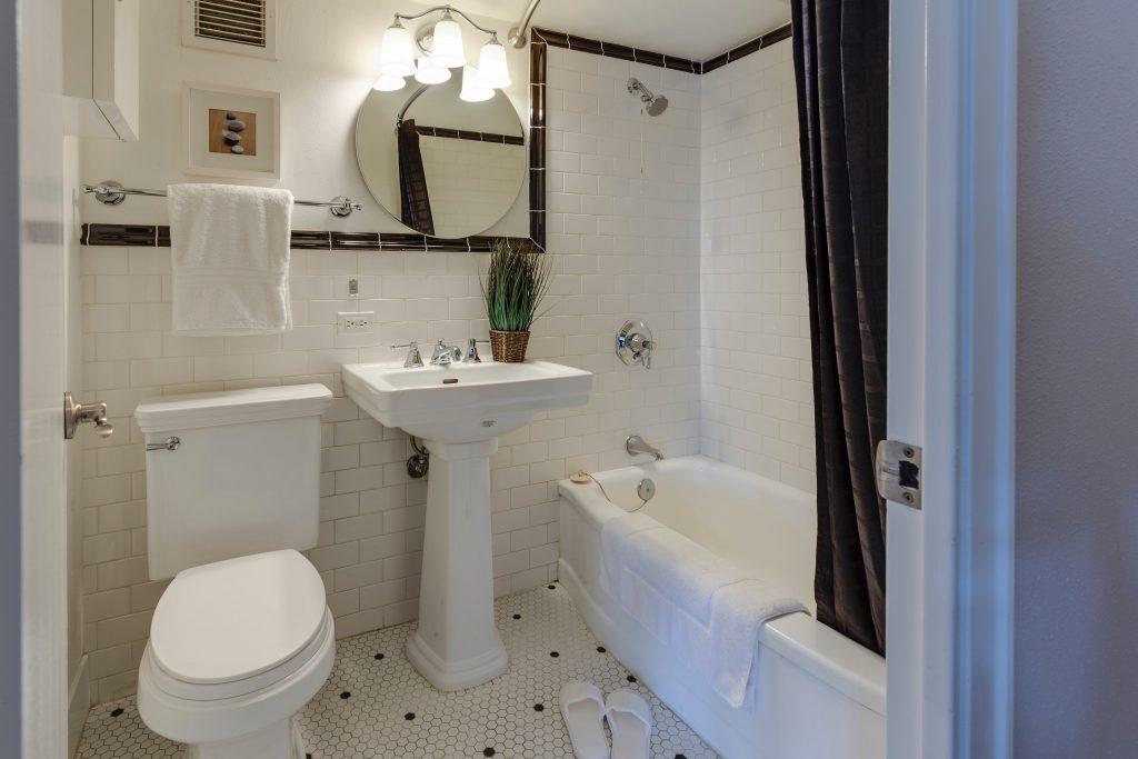 Oświetlenie łazienkowe na miarę potrzeb