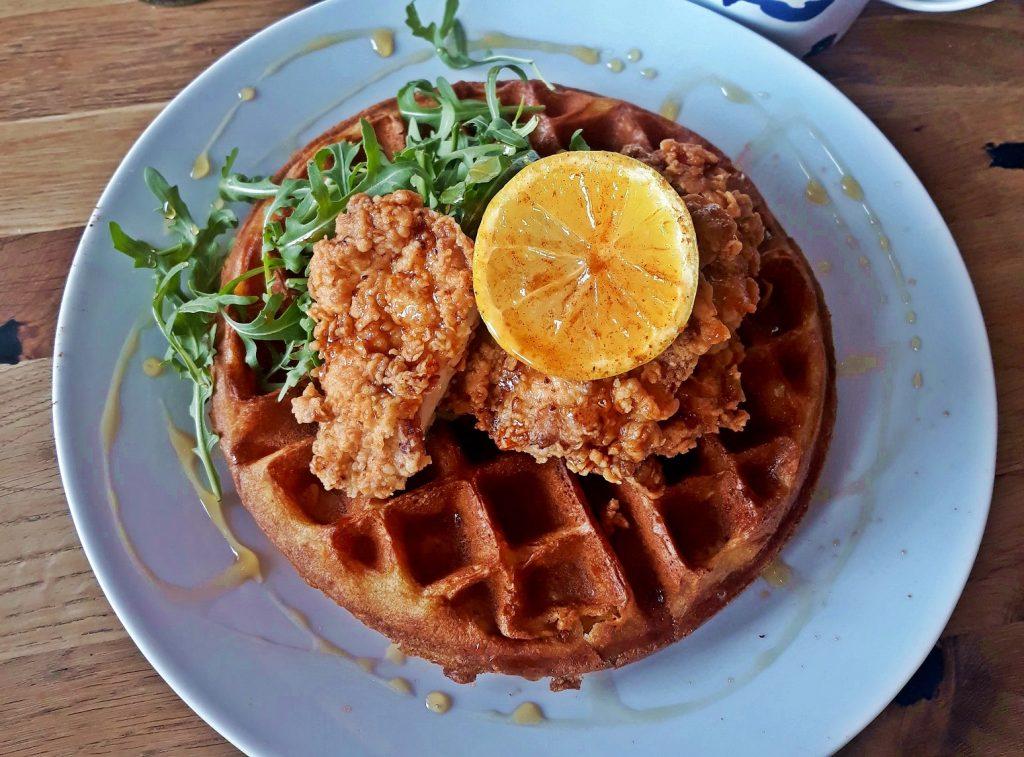 Co warto zjeść, będąc w Nowym Jorku? Słynne nowojorskie jedzenie