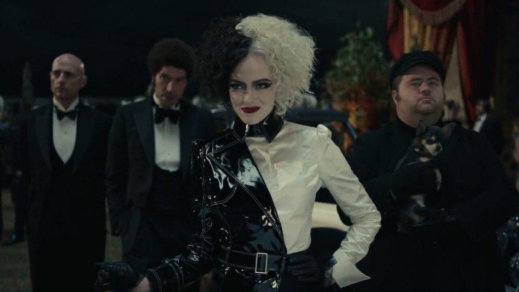 """""""Cruella"""": Jak rodził się styl słynnego czarnego charakteru Disneya?"""