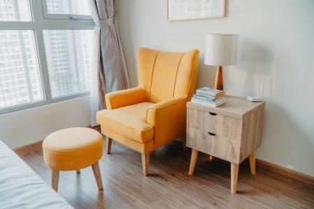 Fotel rozkładany jednoosobowy - ciekawy element wyposażenia salonu