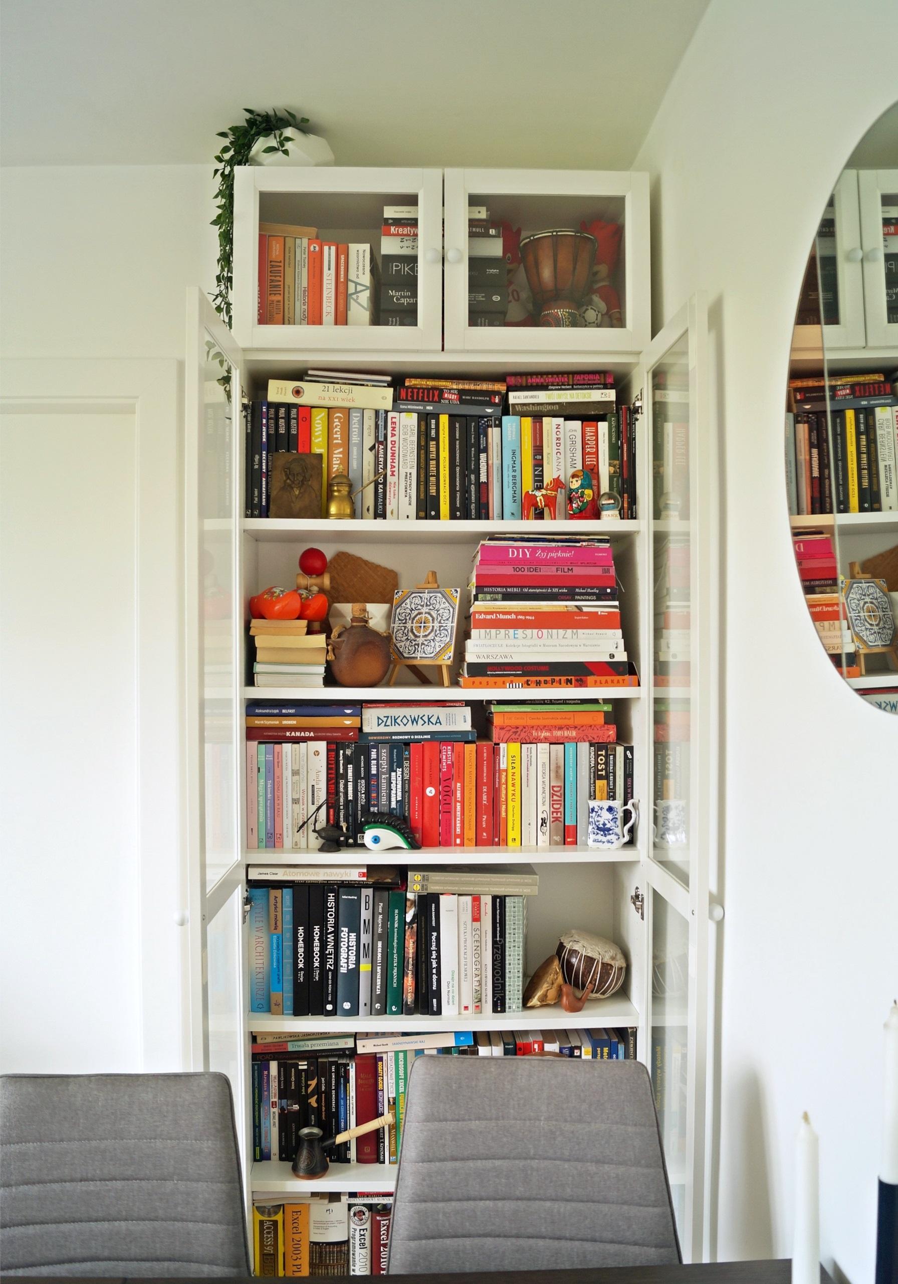 Metamorfoza regału Billy IKEA. Mała zmiana, wielki efekt