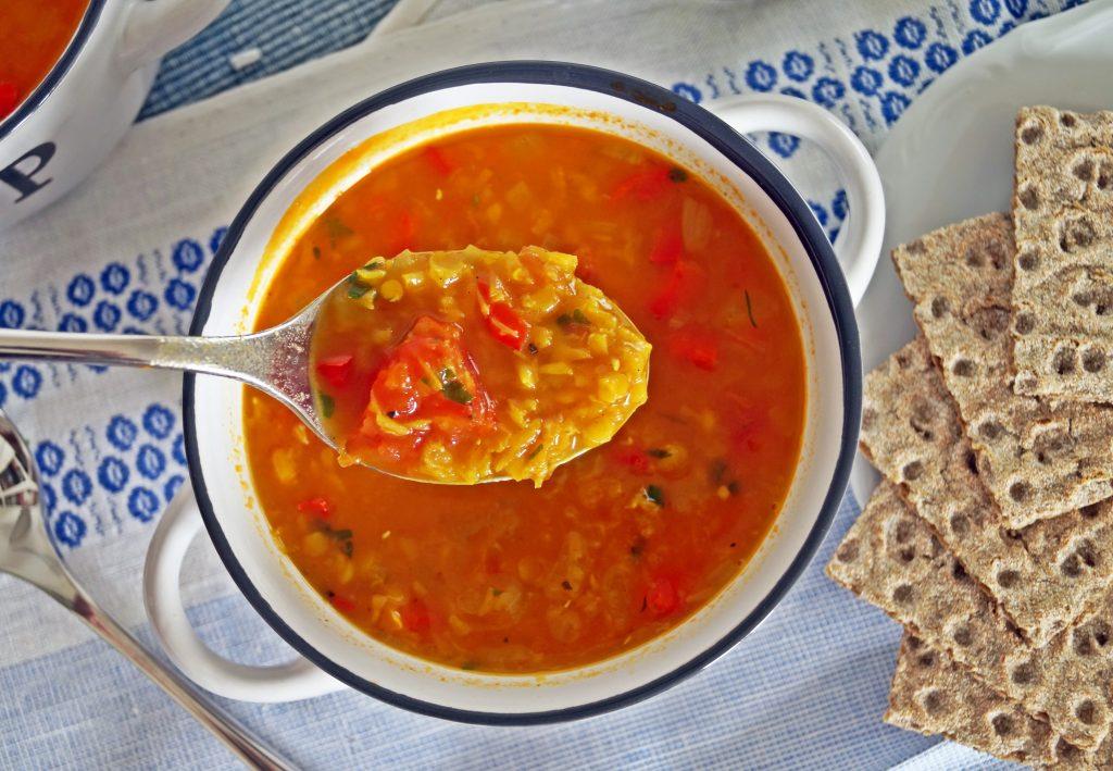 Zupa z czerwonej soczewicy - przepis