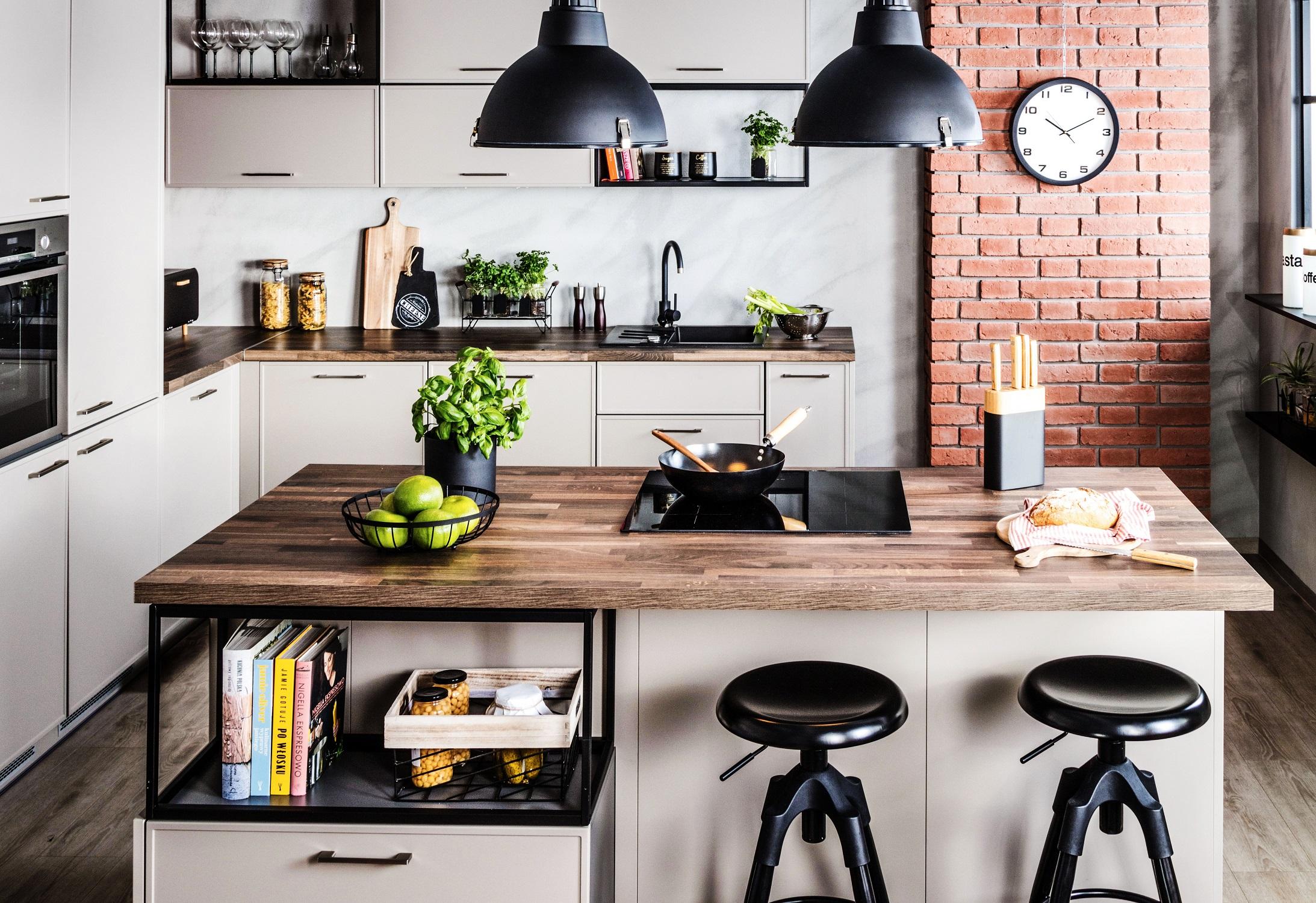 Kuchnia w stylu industrialnym – jakie blaty kuchenne są warte uwagi?
