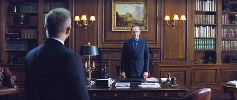 """""""Nie czas umierać"""". Tak wygląda gabinet M."""